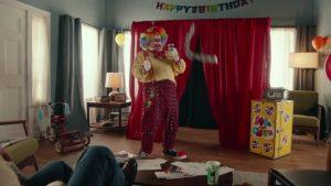 Видео: Как устроить что-то новое на день рождения