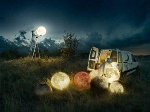 Концептуальная работа в виде полной луны от фотографа Эрика Юханссона