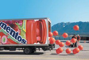 14 Фото: Креативная реклама на грузовиках.