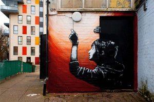 Испанский фотограф превращает уличное граффити в GIF.