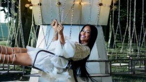 Видео: H&M выпустили рождественскую историю с Ники Минаж