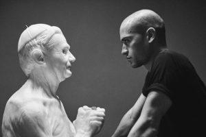 Скульптор-самоучка создает невероятно реалистичные статуи