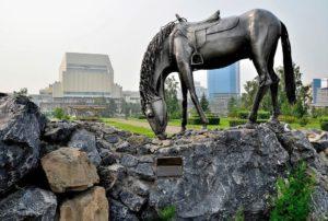 Увлекательный тест: Определи город по памятнику