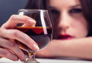 Тест: Знаешь насколько тызависим оталкоголя?