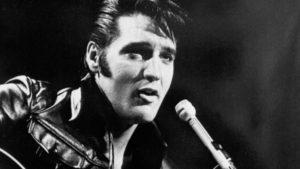 Тест: Мифы о короле рок-н-ролла. Вы отличите реальные факты об Элвисе Пресли от мифов?