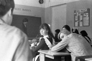 Тест: Вспомнишь знаменитых личностей с портретов школьных кабинетов?