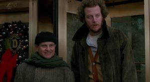 Тест: На которого из злодеев фильма «Один дома» вы похожи?