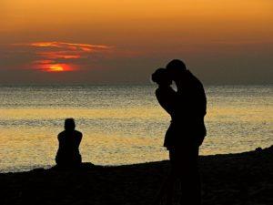 Тест: Узнай, стоит ли тебе возвращаться к прошлым отношениям
