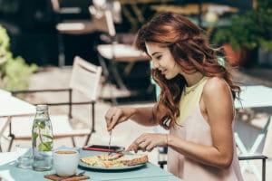 Тест для девочек: Выберите еду, и мы назовём ваш возраст