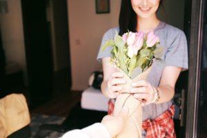 Тест: Что вам подарить девушке на 8 марта?