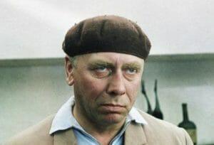 Тест: Получится ли у вас угадать всех этих известных советских актеров и актрис по одним глазам?