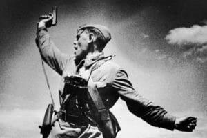 Тест: Узнаете ли вы героев Великой Отечественной войны в лицо?