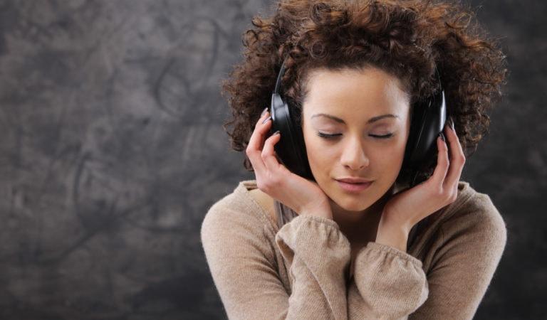 Тест: Угадай песню всего по одной строчке!
