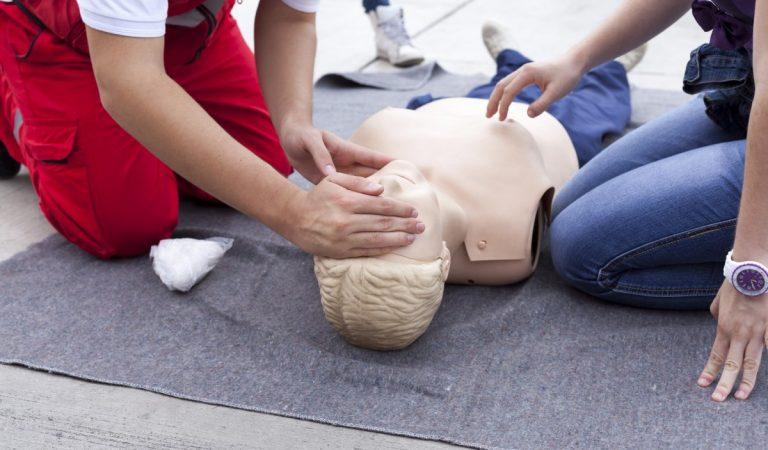Тест: Сможете ли вы спасти человека, правильно оказав ему первую помощь?