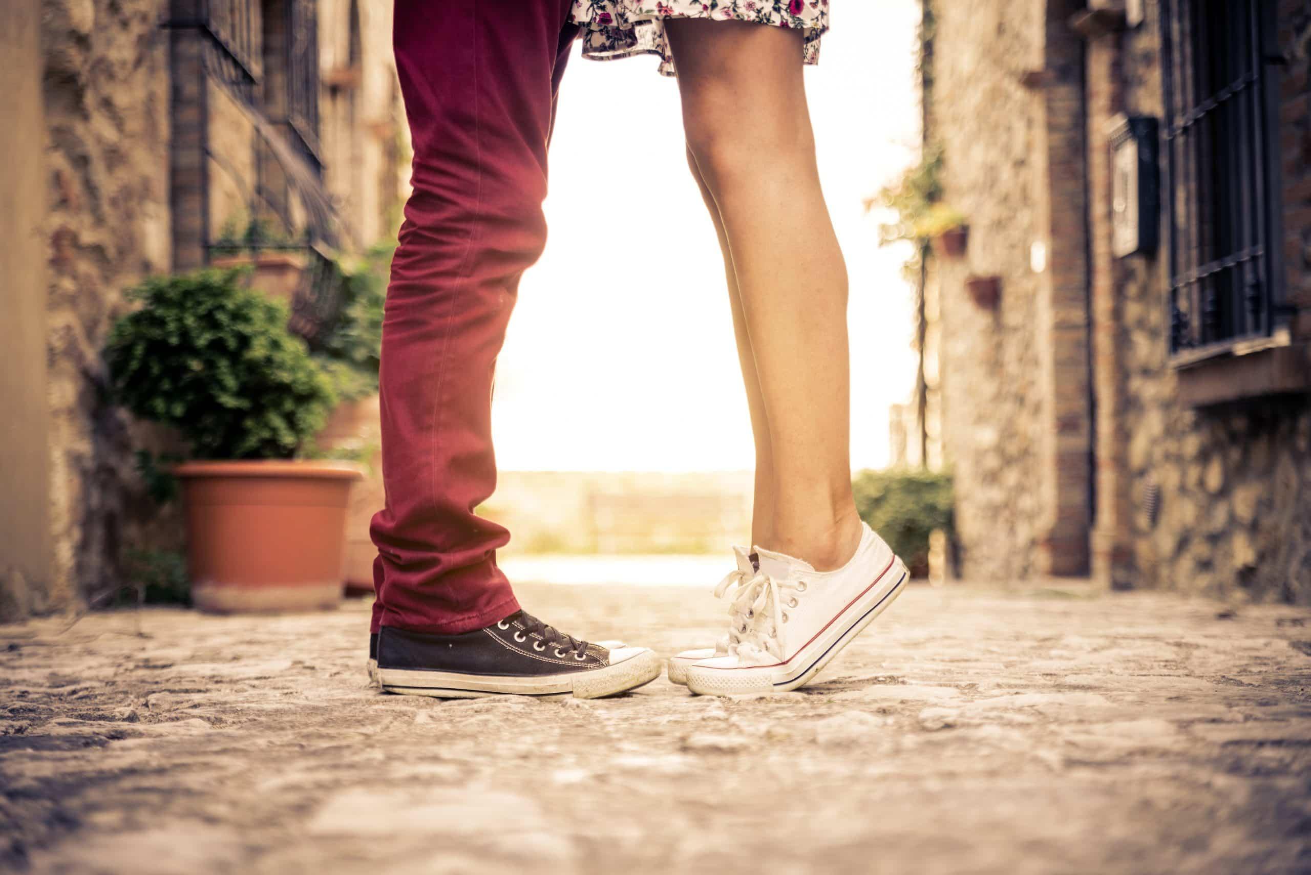 Картинки ноги девушек и парня